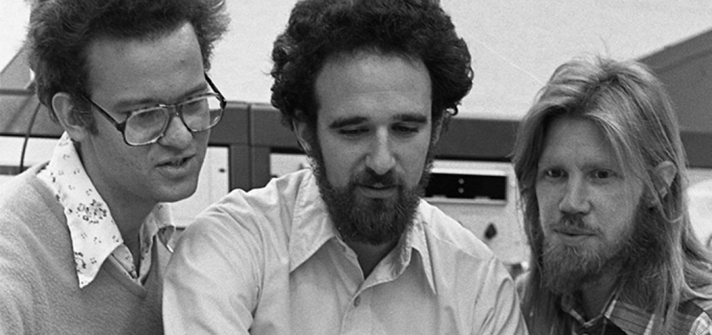 Ralph Merkle, Martin Hellman a Whitfield Diffie v Berkeley, 1977 | Chuck Painter / Stanford News Service