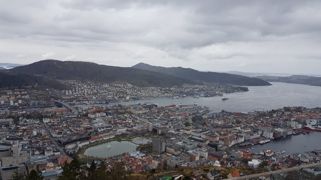 Výhľad na Bergen z kopca Fløyen