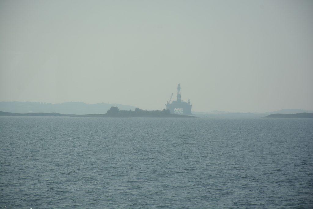 Ropná plošina odparkovaná pri Stavangeri