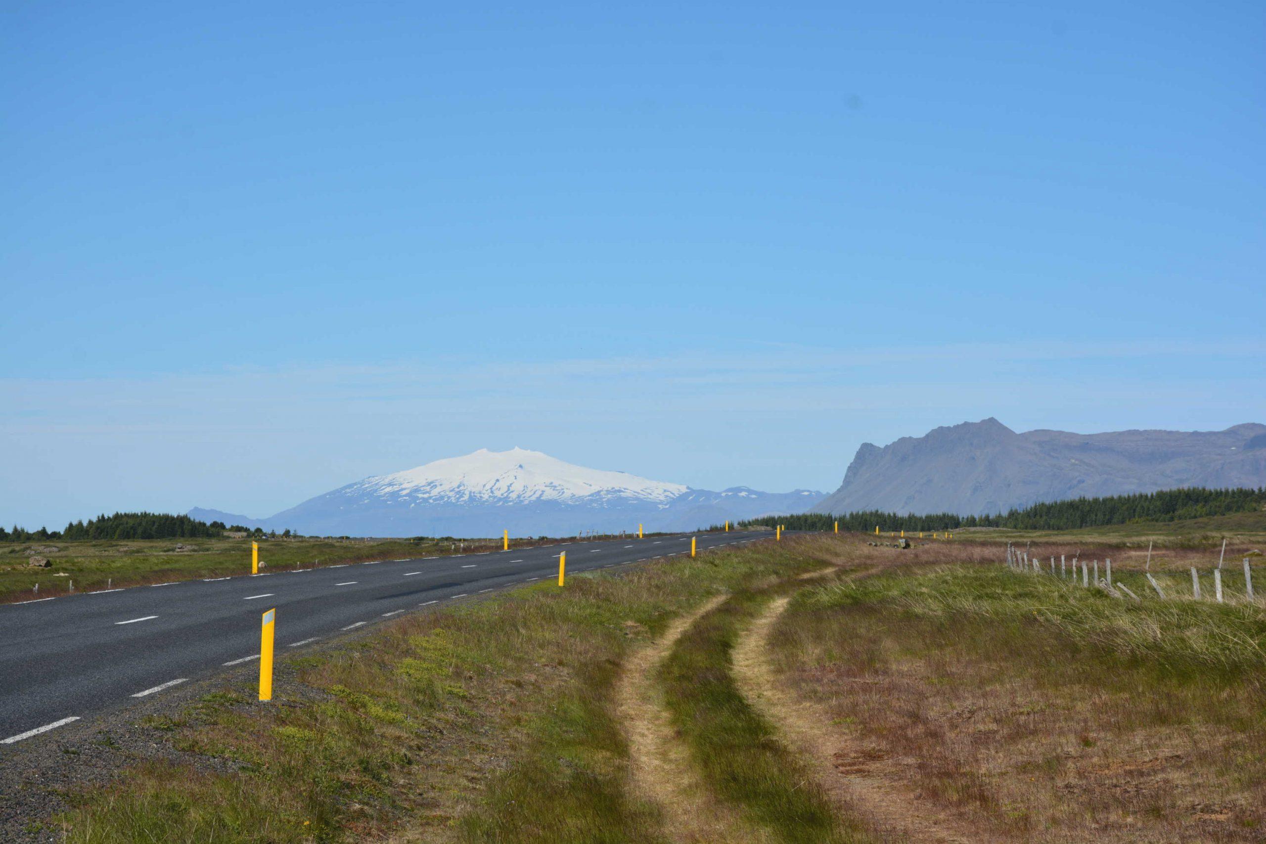 v pozadí vulkán Snæfellsjökull