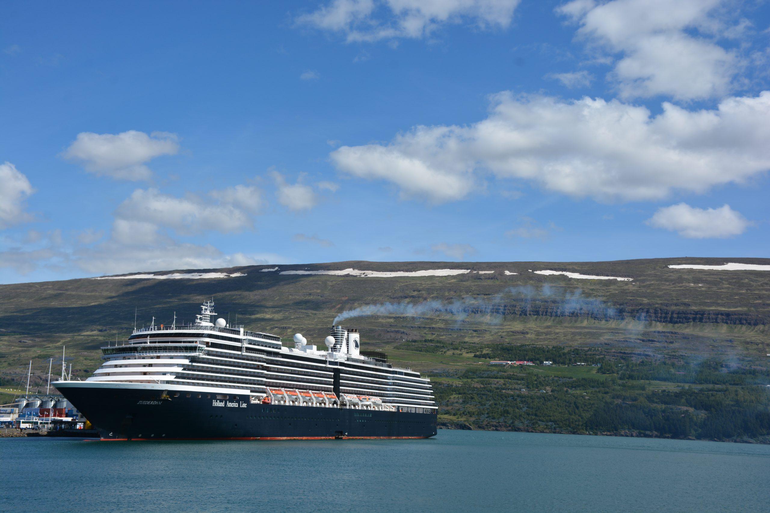 Akureyri poskytuje prístav pre výletné lode