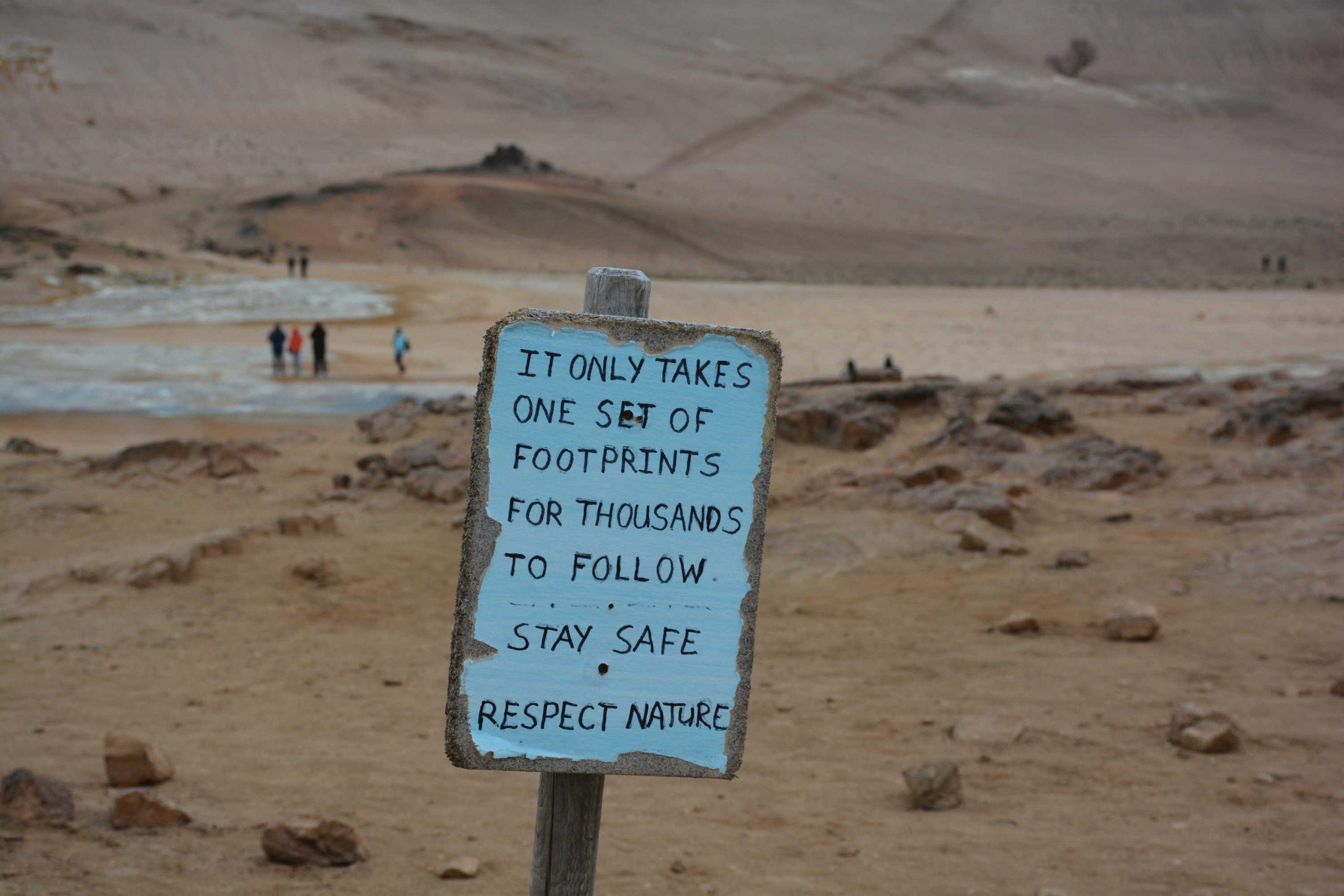 Stačí jeden pár stôp na to aby ich tisícky nasledovali. Zostaňte v bezpečí. Rešpektujte prírodu.