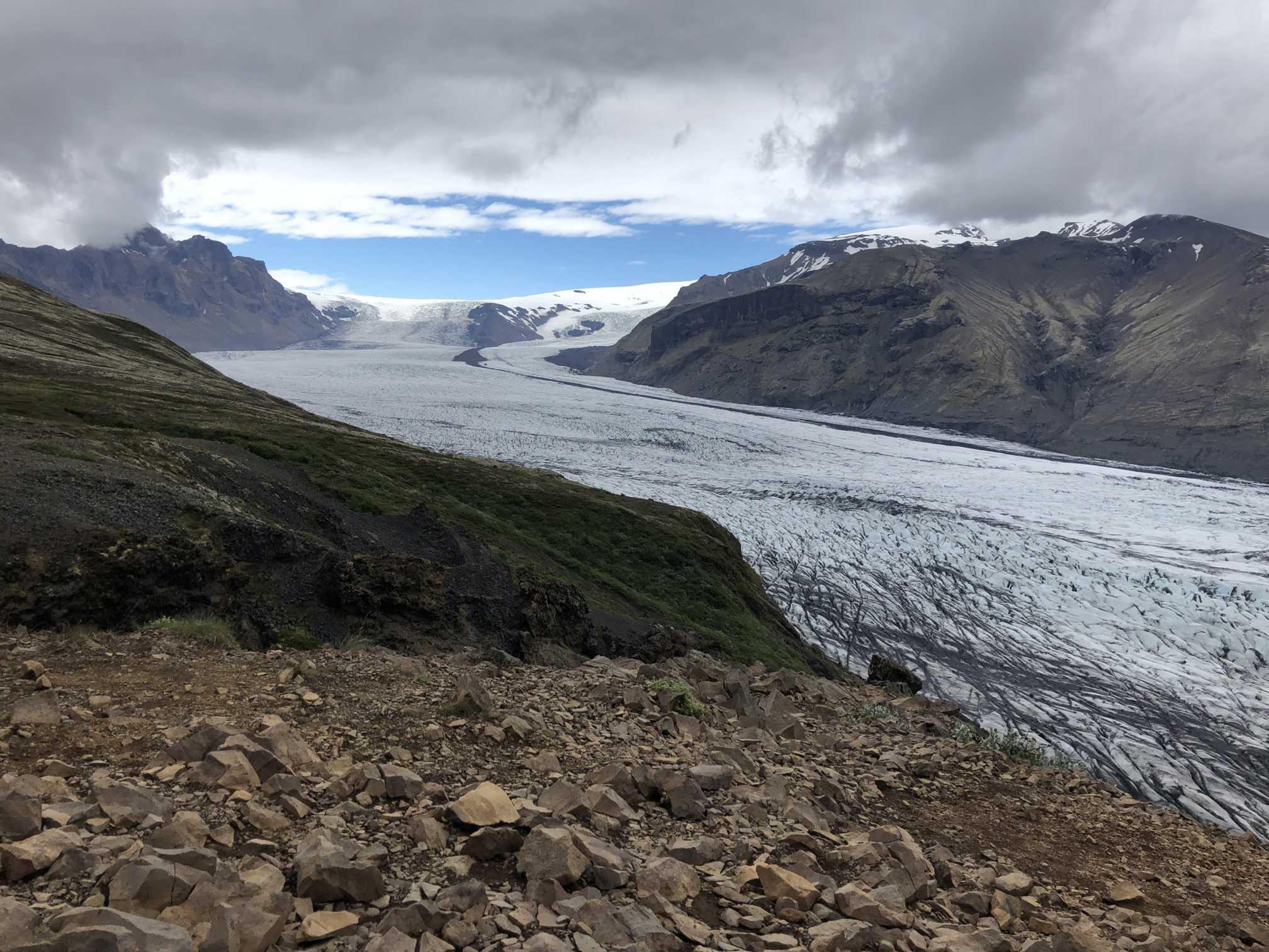 Ľadovcový výbežok Skaftafellsjökull z výhľadu Sjonarpina